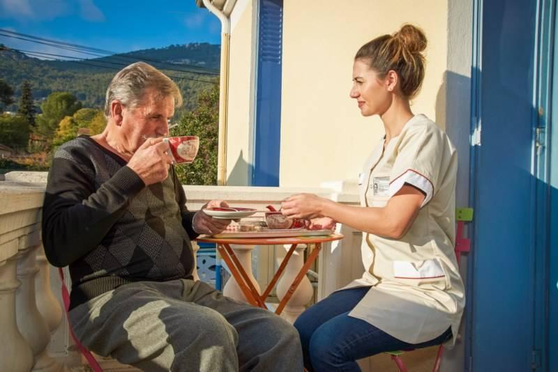 garde et assistance personne âgée gardanne