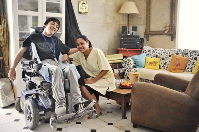 toilette personne handicapée carry le rouet