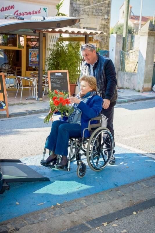 accompagnateur véhiculé personne handicapée fuveau