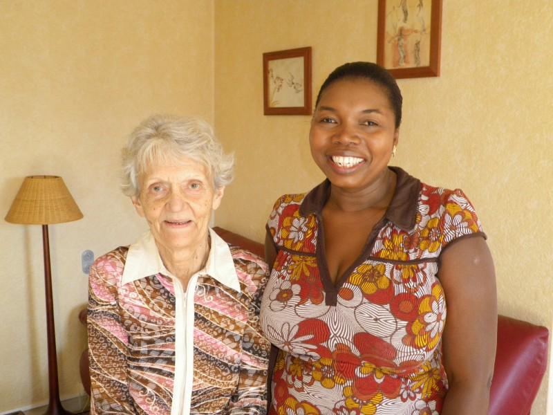 Offre d'emploi pour les mois de juillet/août 2012 : Agent à domicile, Assistant(e) de vie, Auxiliaire de Vie Sociale