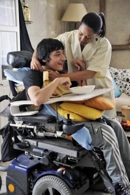 Vous êtes en situation de handicap, la PCH une aide financière pour financer l'Aide à domicile