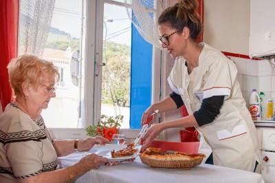 Les services d'aide à domicile pour personnes âgées